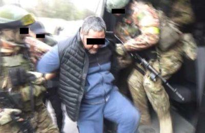 Сүрөт. Женго кармалып, Оштон Бишкекке алынып келинди