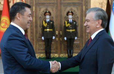 Кыргызстан Сох анклавын ачса Өзбекстан Ункар-Тоону берүүгө даяр