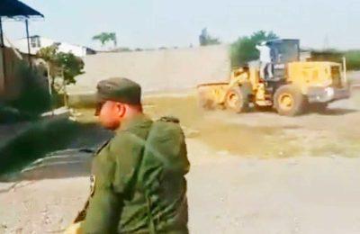 Тажиктер кыргыздын үйлөрүн сүрдүрүп жаткан видеолорду таратып жатышат