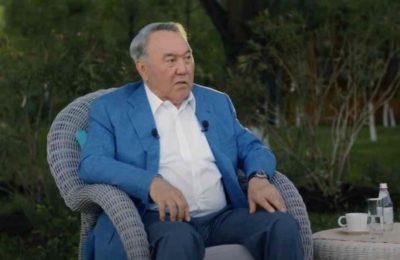 Назарбаев: «Демократия болсо эмне экен, Кыргызстанда 30 жыл ичинде эч нерсе жасалган жок»